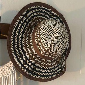 Prana floopy beach straw hat